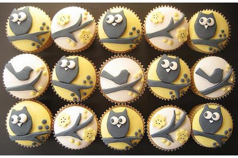 Hello naomi cupcakes black owls