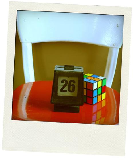 Vintage_flip_number_calendar_rubiks_cube