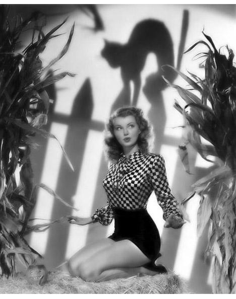 Vintage_halloween_glamour