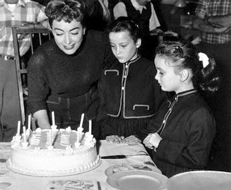Joan_crawford_birthday_cake