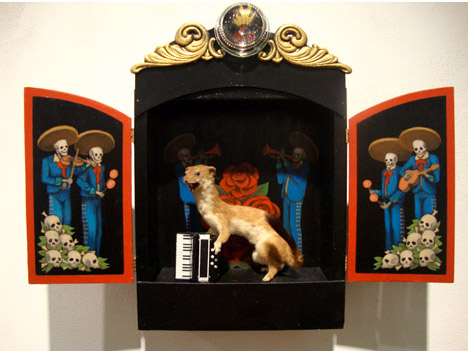Rouge_taxidermy_show_weasel_accordion_los_angeles_