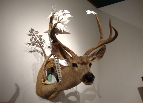 Cotton_deer_rogue_taxidermy_show