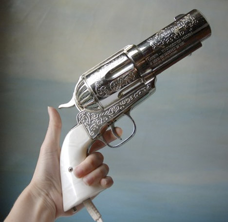 357_Magnum_Hair_Dryer_Vintage_Novelty_Pistol_Hairdryer_Gun_JERDON