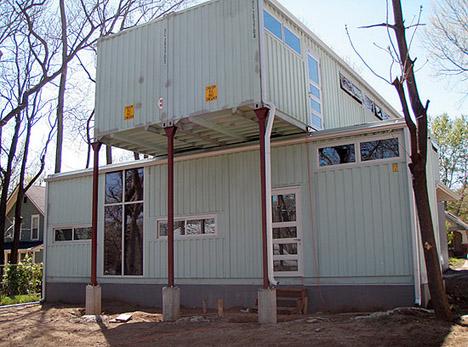 Shipping_container_modern_housing_kansas_Debbie_Glassberg_05