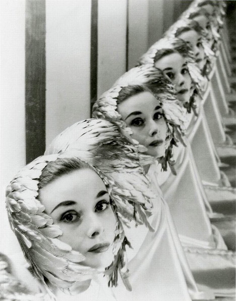 Audrey_hepburn_feather_hat-mirror-Erwin-Blumenfeld-mister-fred