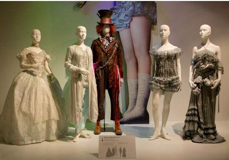 Alice-in-wonderland-costume-design-colleen-atwood & WHORANGE