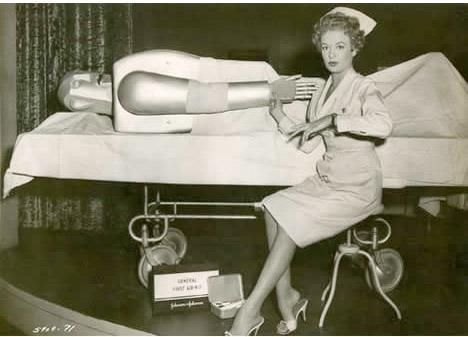 Vintage-sexy-nurse-robot-patient