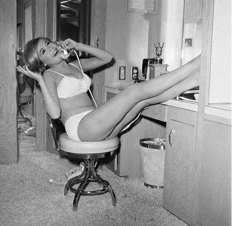 Sandra-dee-vintage-telephone-white-bikini
