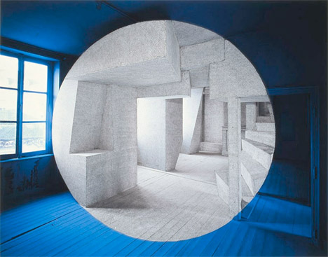 Georges-Rousse-blue-circle-optical-illusion-architectural-photography