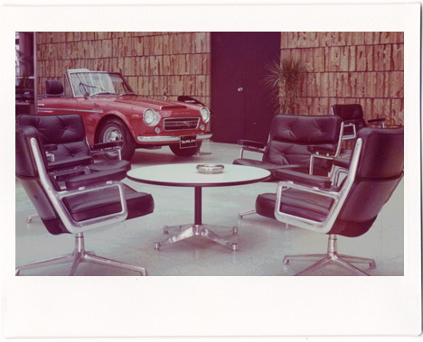 Eames-in-japan-vintage-1967-chairs-car