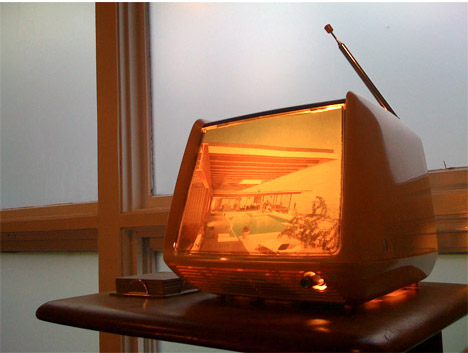 Atomic-indy-DIY-converted-vintage-television-lamp