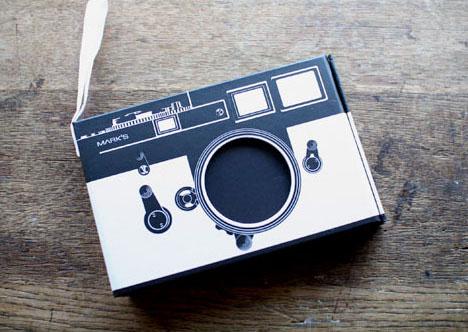 Vintage-camera-shaped-photo-album