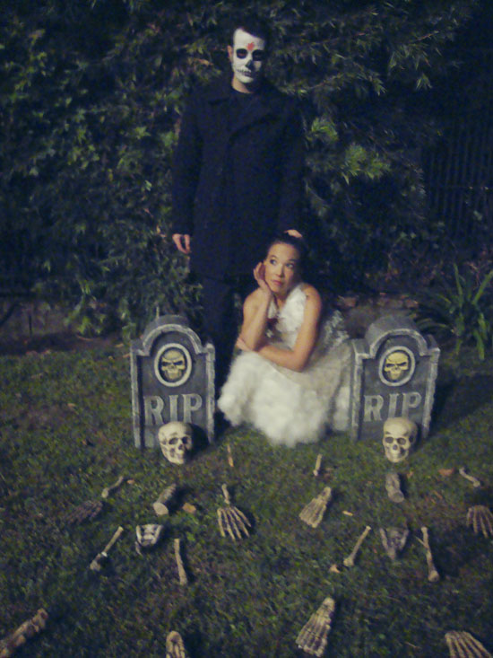 Mulholland-drive-cemetery-halloween