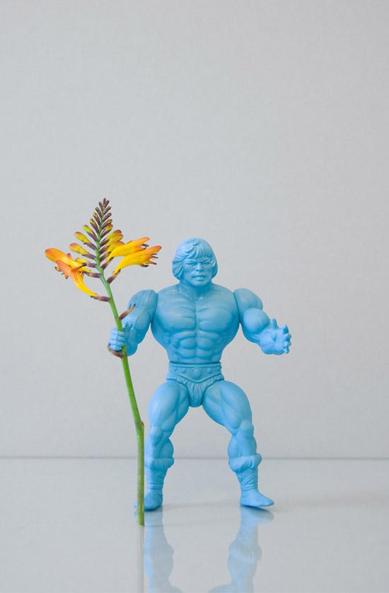 Open-studio-flower-power-action-figure-man-blue