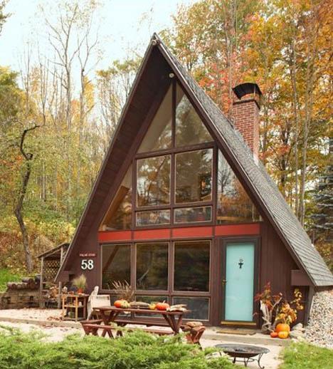 Julia_a_frame_house_exterior_Bethlehem_New_Hampshire