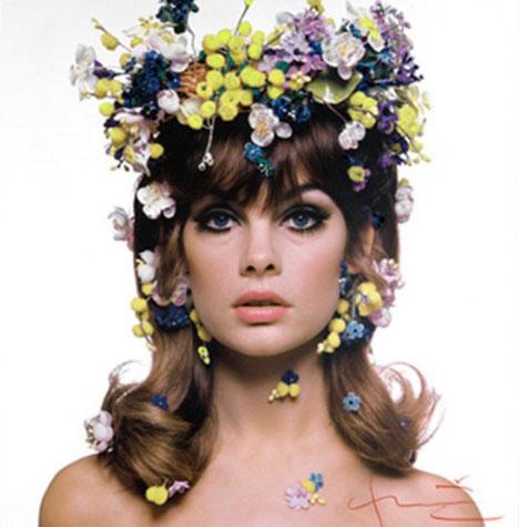 Jean-shrimpton-flowers-hair-by-bert-stern