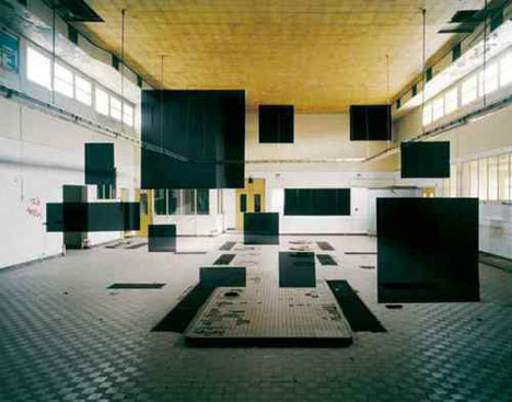 Georges-Rousse-black-squares-optical-illusion-architectural-photography