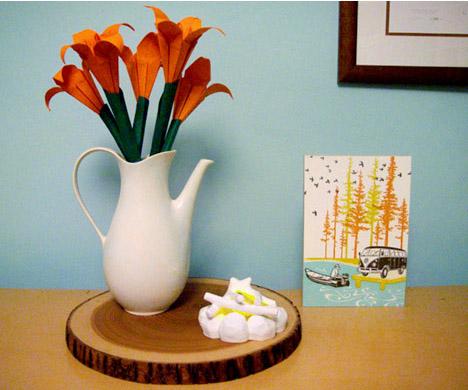 Oragami-flowers-valentines-whorange-kikkerland-firepit-lamp