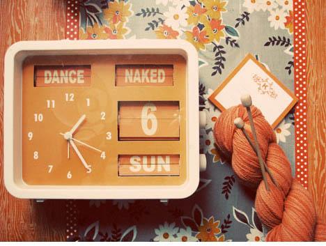 June-craft-dance-naked-flip-vintage-clock