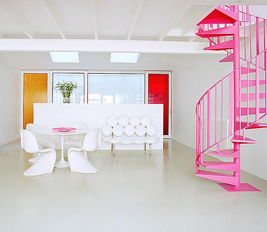Bruno-suet-photography-mid-century-modern-interior-pink-stairs