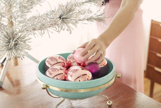 Whorange-vintage-pink-stainless-aluminum-christmas-tree-evergleam