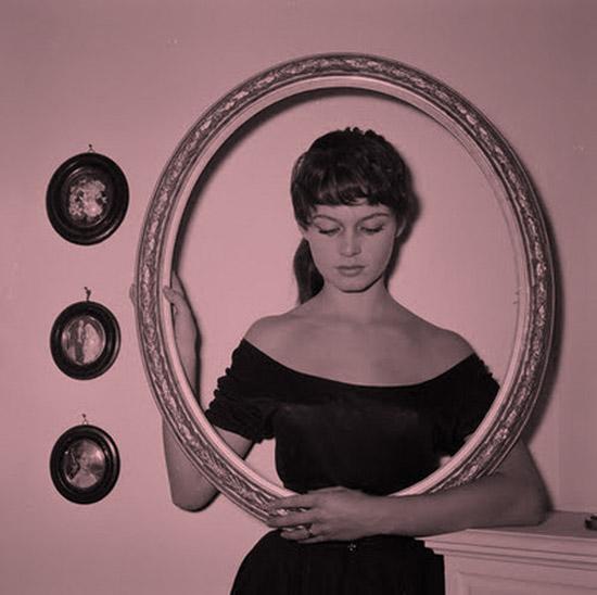 Brigitte_Bardot-brown-haired-brunette-bangs-1955