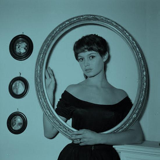 Brigitte_Bardot-brown-haired-brunette-1955