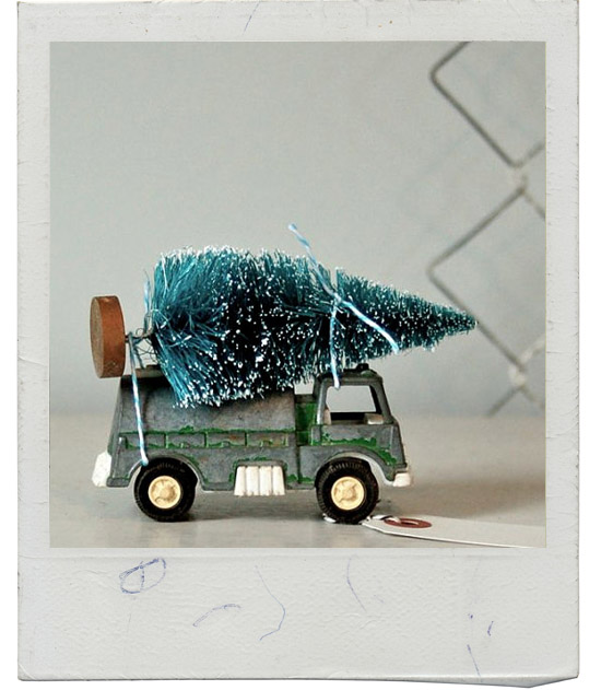 Vintage-junkie-toy-truck-towing-christmas-hoiday-tree-pine