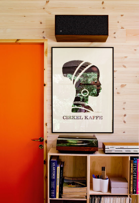 Denmark-home-mid-century-modern-cirkel-kaffe-plywood-walls