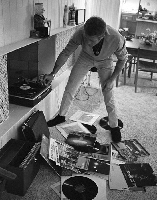 Vinyl-records-Steve-Mcqueen-life-magazine-palm-springs-home