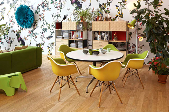 Jungle_vitra_Inspirations_eames-shell-chair-elephant