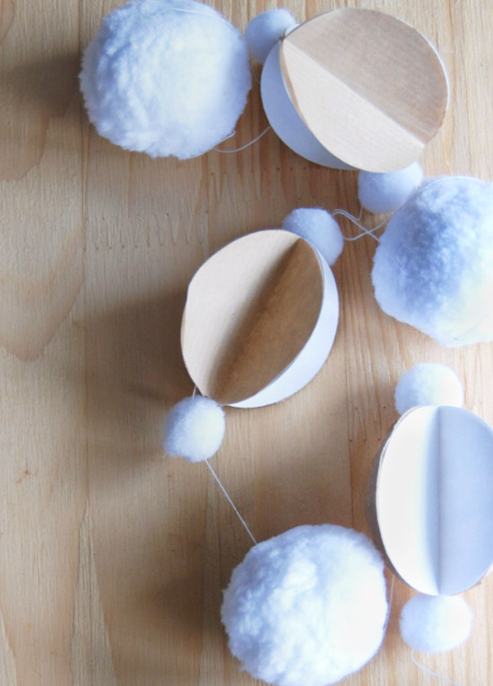Pom-pom-kraft-paper-craft-DIY-holiday-decor