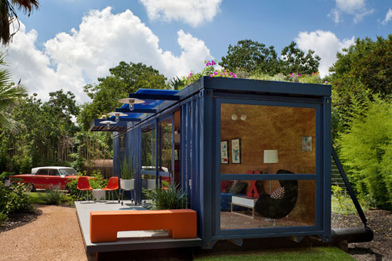 Poteet-architects-modern-shipping-container-guest-house-1