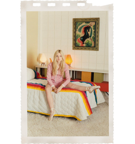 Elle-Fanning-Venetia-Scott-self-service-magazine-vintage-70s-rainbow-bedding-1