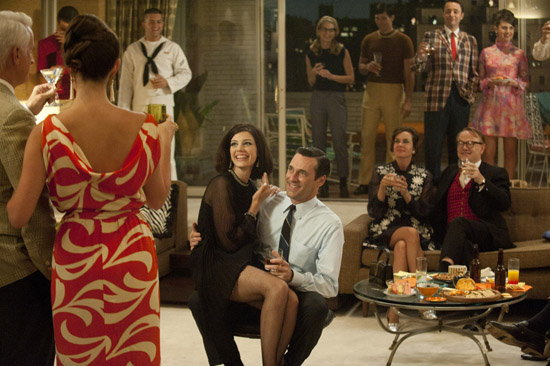 Megan-don-draper-party-mad-men-Zou-Bisou-Bisou-apartment-style