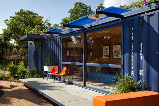 Poteet-architects-modern-shipping-container-guest-house-10