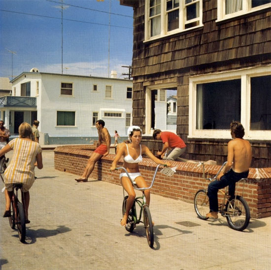 California-surf-beach-culture-Photography-LeRoy-Grannis