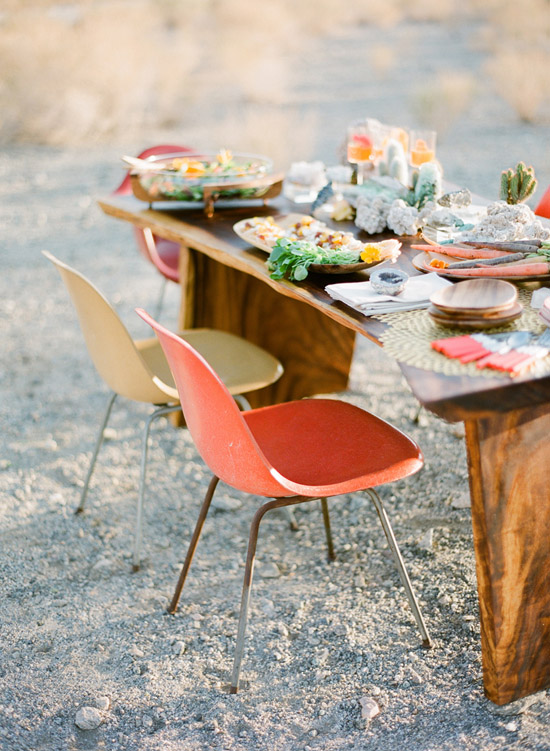 Rue-magazine-eames-chairs-desert-table-setting-jose-villa