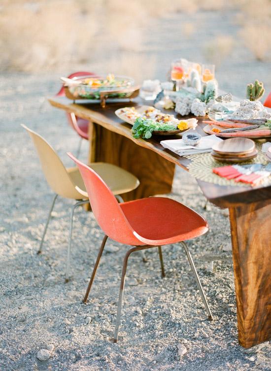 Rue-magazine-eames-chairs-desert-table-setting-jose-villa