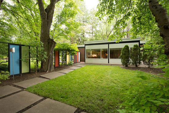 Bruce-Walker-mid-century-exterior-Ferris-house