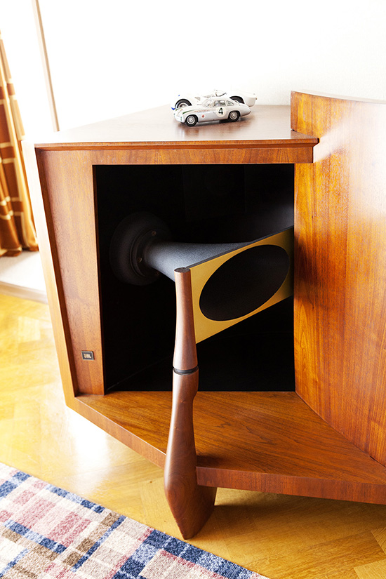 Hideto-irikawa-the-selby-mid-century-media-console-speaker