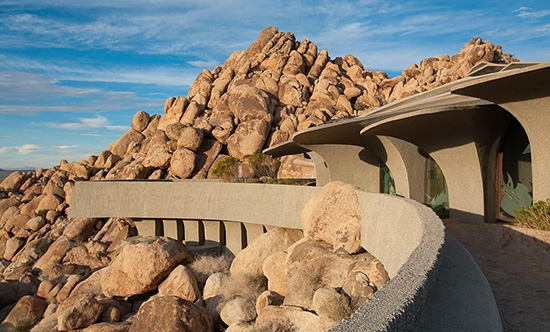 Joshua Tree supervillain house exterior by Kendrick Bangs Kellogg