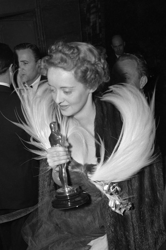 Oscar gown Bette Davis 1939 for Jezebel
