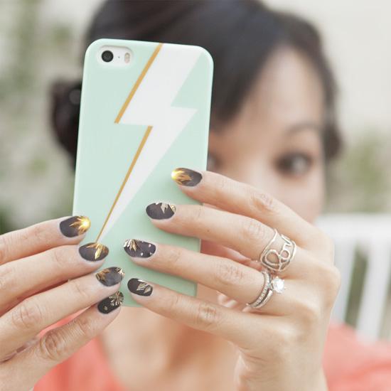 1 Starburst NailSnaps manicure nail art photograph