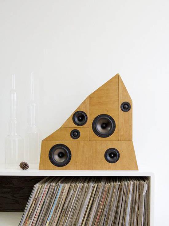 Tw workshop wow and flutter speaker system