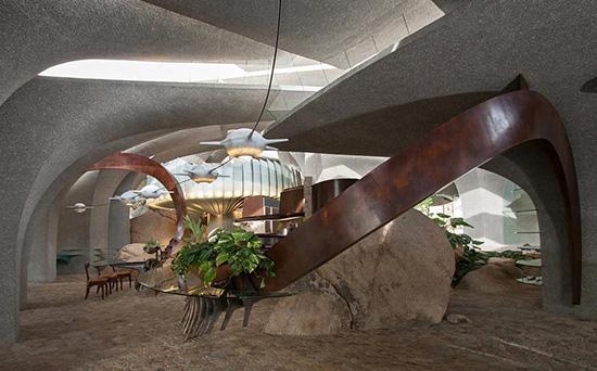 Joshua Tree supervillain house entryway by Kendrick Bangs Kellogg