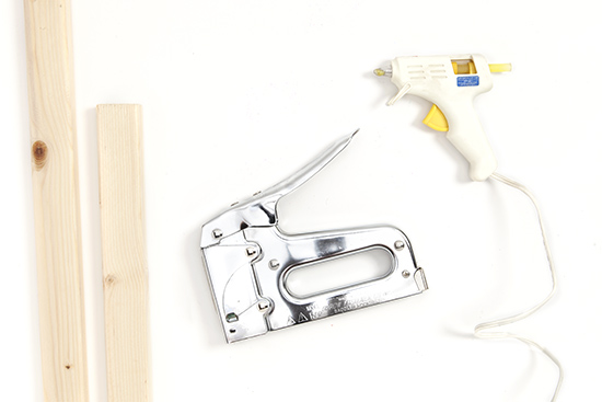 How to make a protest sign staple gun