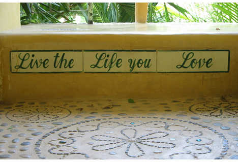 Live_the_life_you_love_2